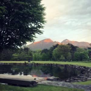 8月2日 庭園から望む磐梯山と夕日
