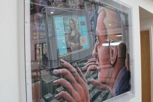 校内に、クルックの作品も展示されています。
